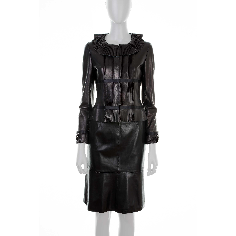 Black Ensemble Chanel in Lambskin Pleated Collar - Le Dressing Monaco