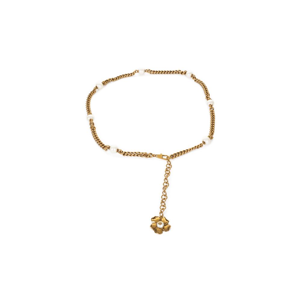 7c6e0632ab2fff Metal Ribbon Pearls Leather Flap Bag + Belt by Gucci - Le Dressing Monaco