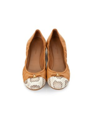 5ce3d6d7763e Luxury Flat Shoes from the Most Exclusive Brands - Le Dressing Monaco