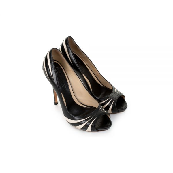 Black And White Peep Toe Pumps by Alexander Mc Queen - Le Dressing Monaco