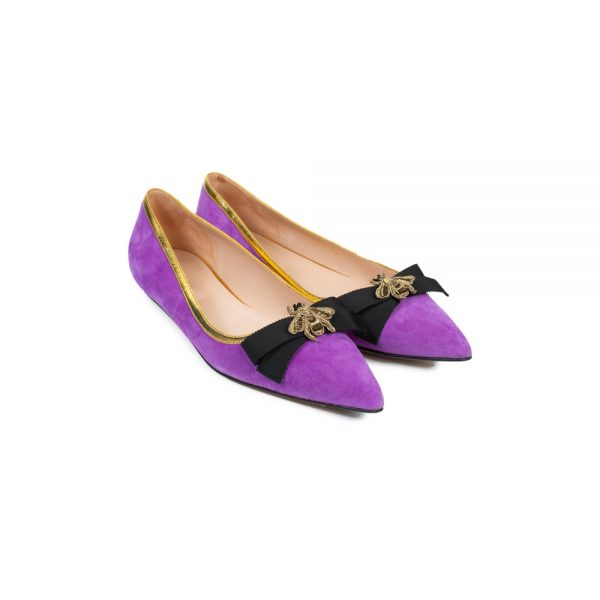 Purple Suede Pump Embellished With Bow and Bee by Gucci - Le Dressing Monaco