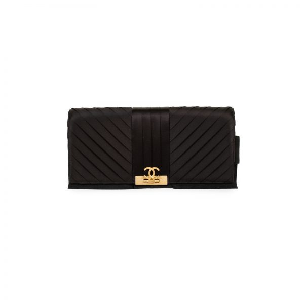 SEO title preview: Chevron Silk CC Greek Clutch by Chanel - Le Dressing Monaco